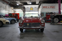 1962 MG Midget Interior-Exterior (2)