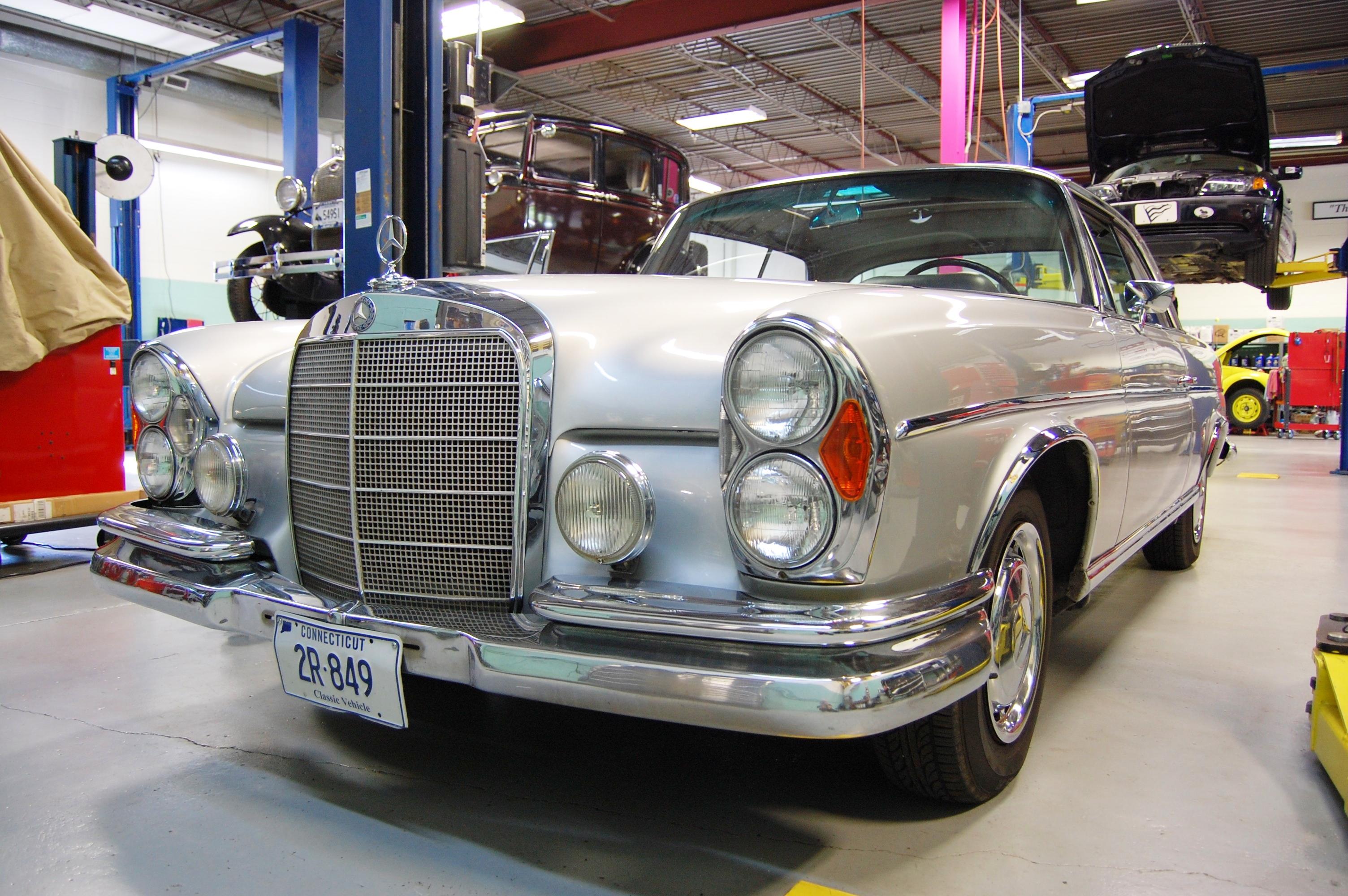 '63 Mercedes Benz 220SE