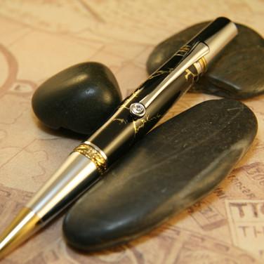 Majestic Squire Black Gold Matrix Pen in Gold Titanium and Chrome Trim