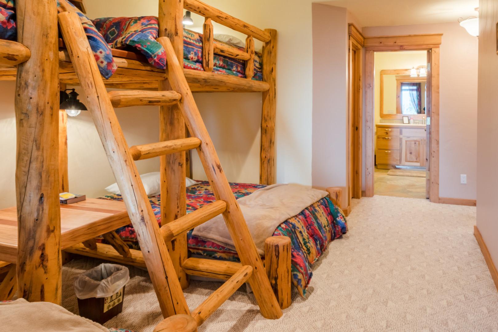 Bunk Bedroom 02