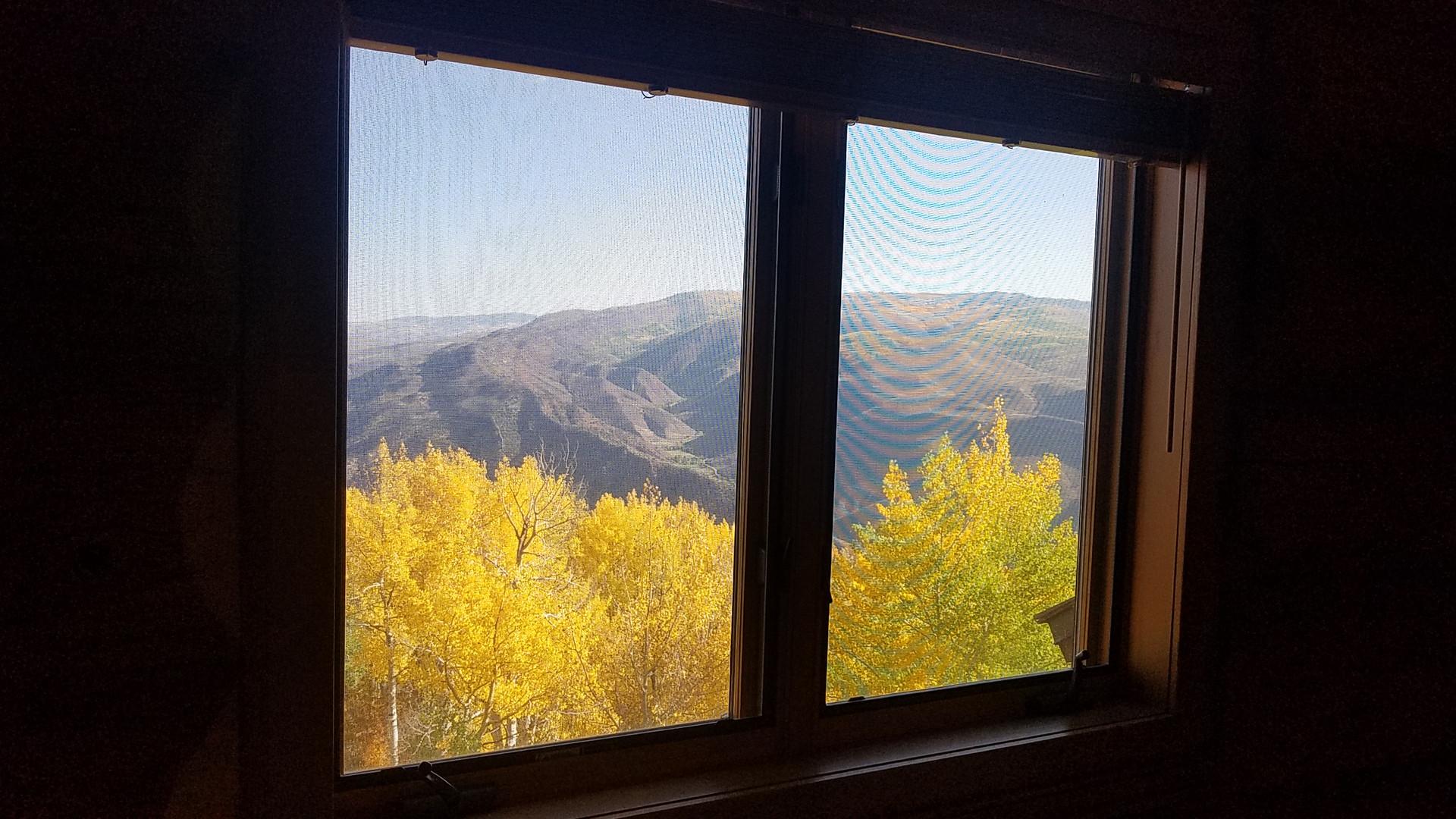 Mountain Bedroom 02