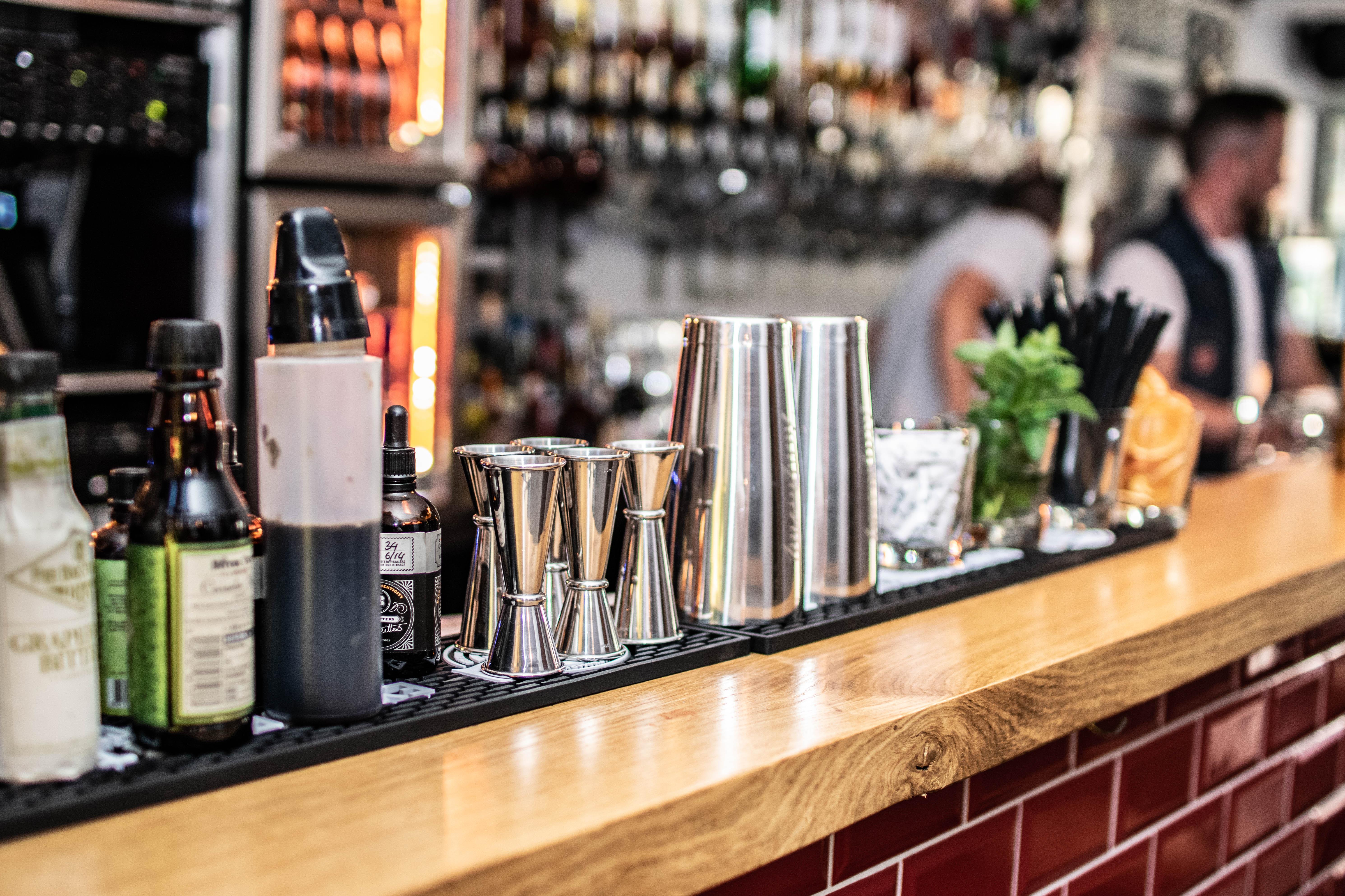 Cocktails in der Fleischerei