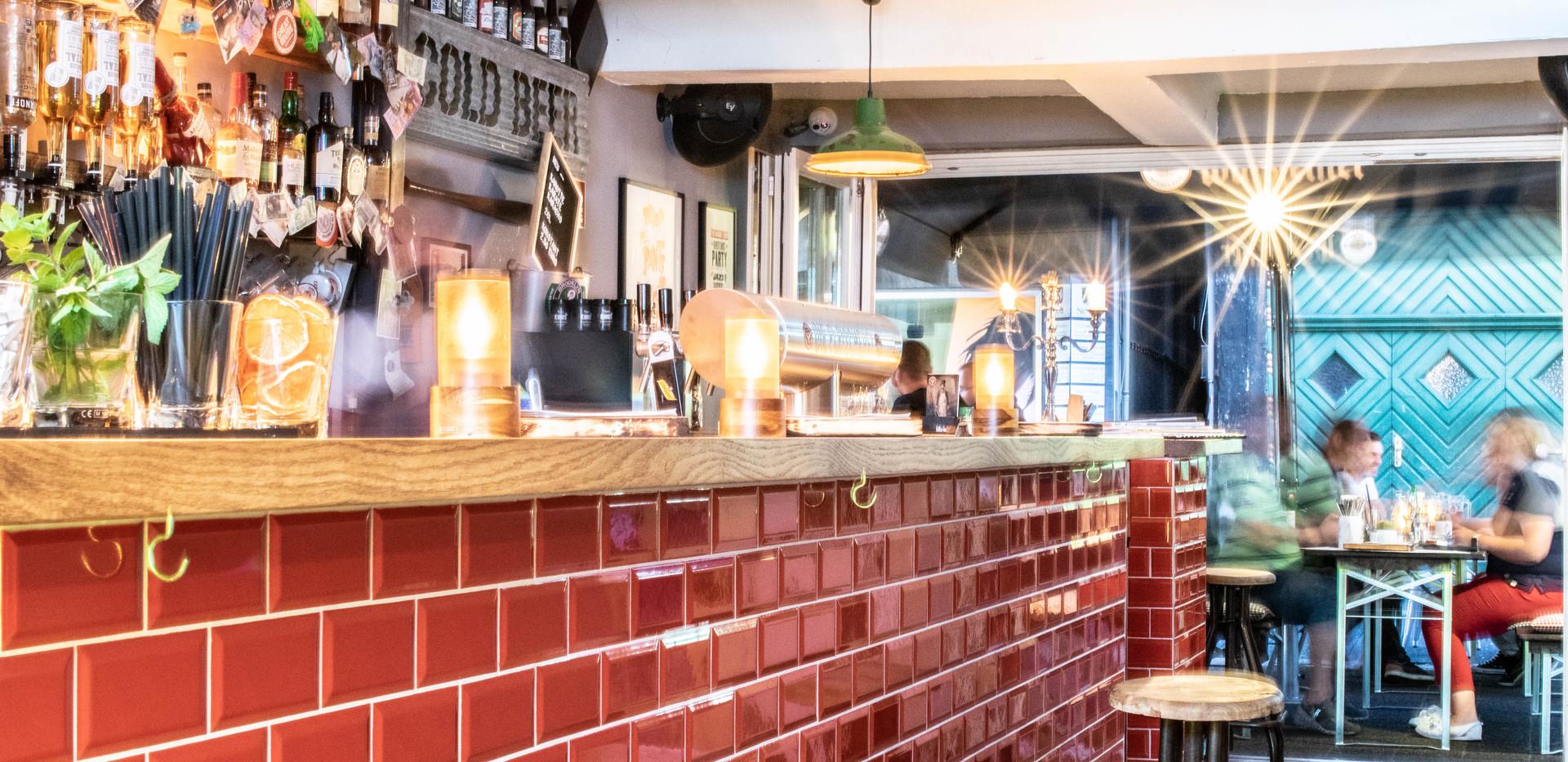 Unsere kleine Bar