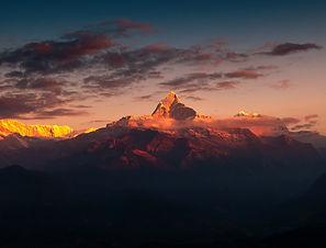mountain-3667374_1920.jpg