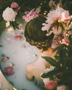 woman milk bath flowers anita-austvika.j