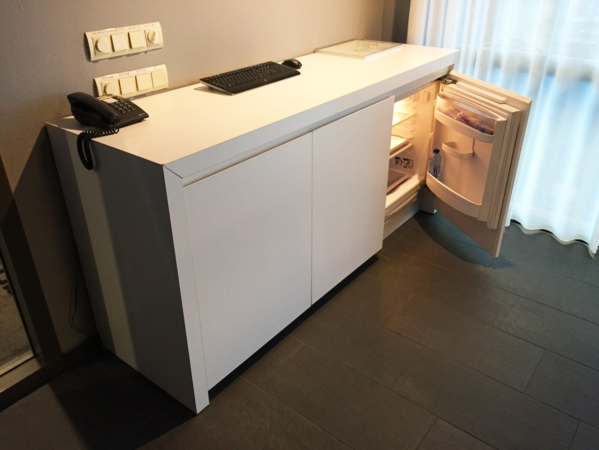 Lagotronics Projects maatwerk meubel