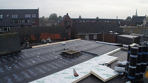Eerste laag dakbedekking dakrenovatie