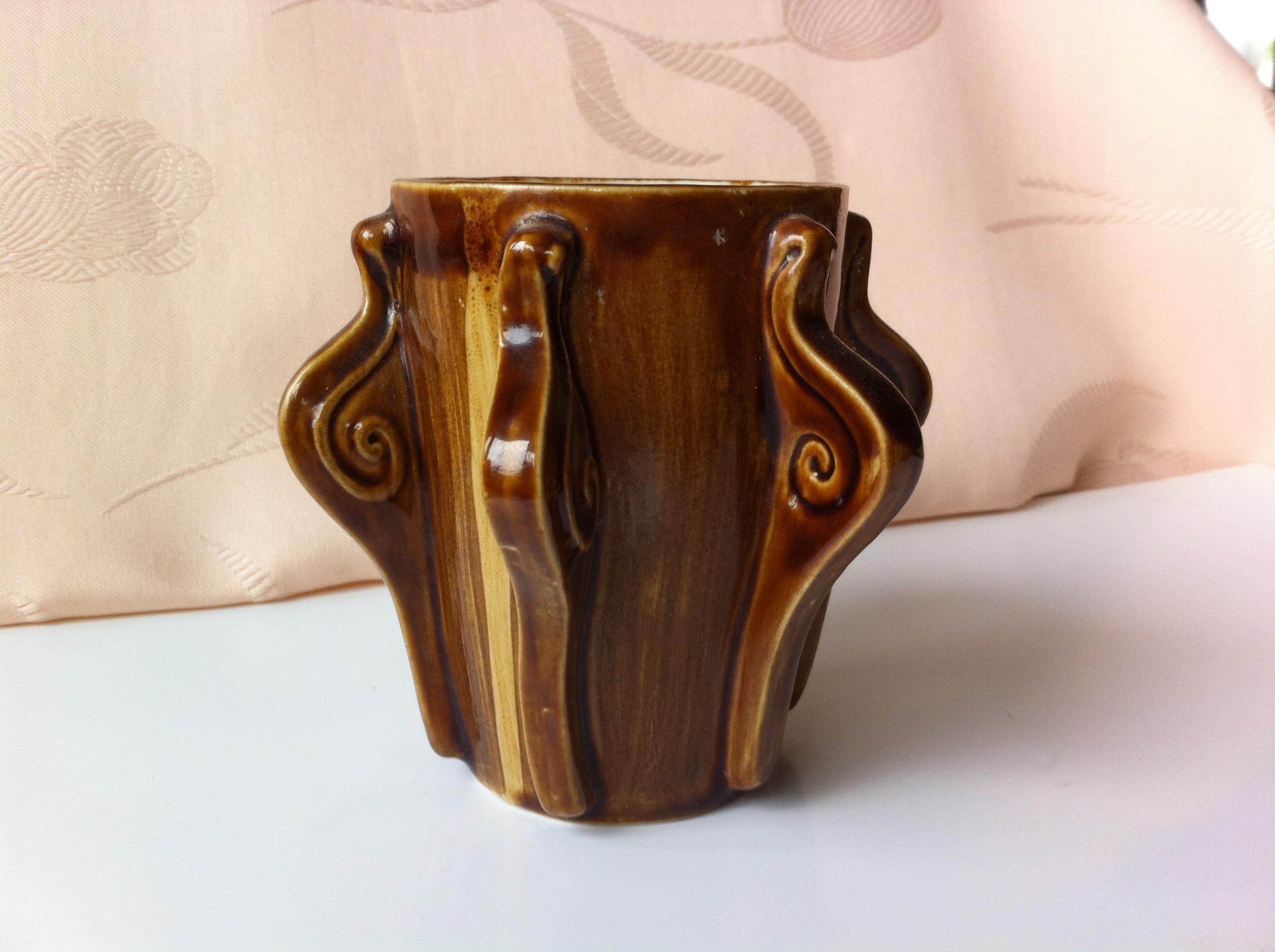 tea mug with 6 snails