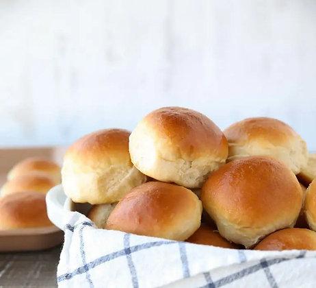 6 x Soft dinner rolls