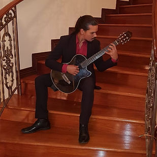 Seth Escalante - Classical Guitar Christmas 2019