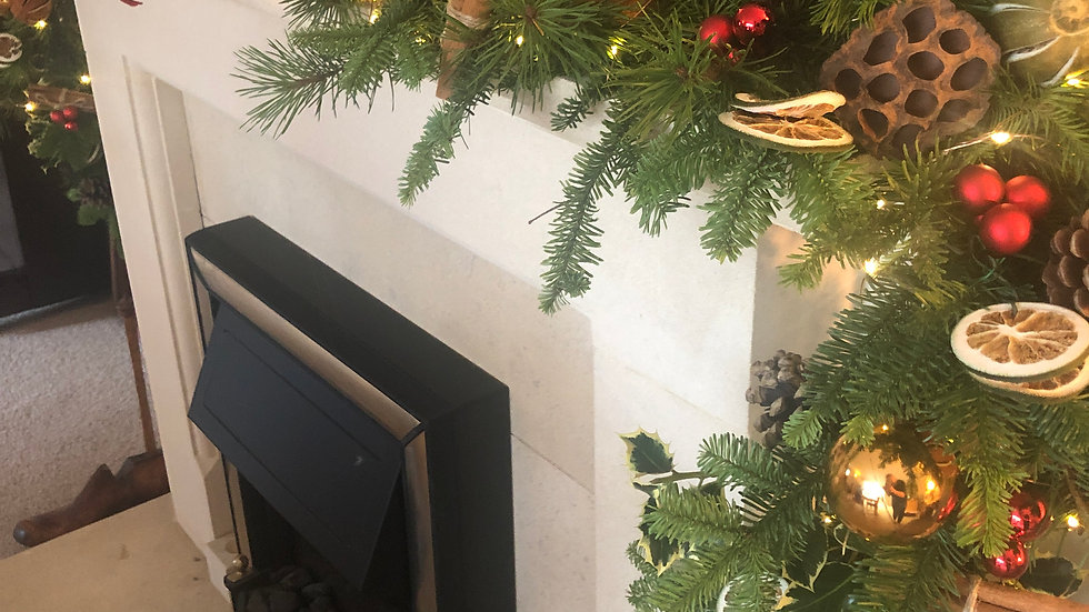 Fresh Mantlepiece Garland