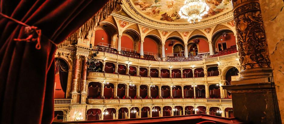 Ilyennek ismerjük az Operaházat, pedig teljesen máshogy nézett ki. Podcast Zoboki Gáborral