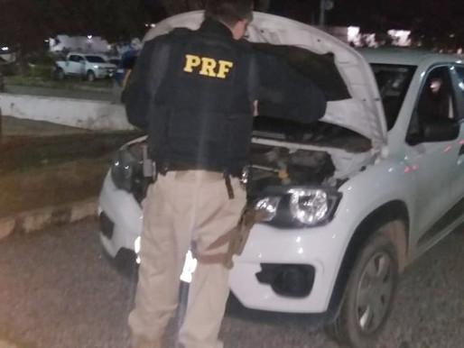 Homem atira em policiais e rouba carro em Caruaru