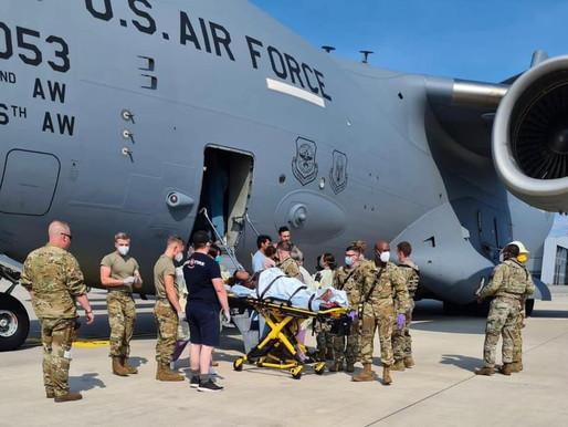 Afegã grávida tem bebê dentro de avião militar dos EUA