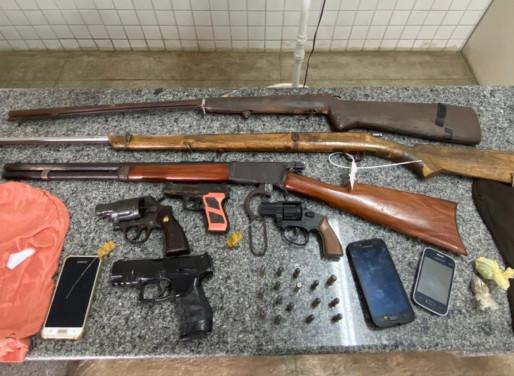 Quadrilha suspeita de realizar assaltos na PE-360 é presa em Floresta
