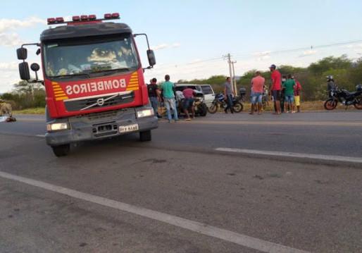 Acidente deixa dois mortos e um ferido na BR-232, em Serra Talhada