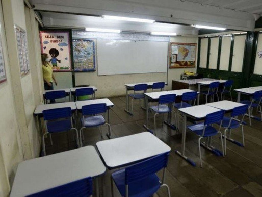 Professora agredida por mãe de aluna que foi reprovada será indenizada