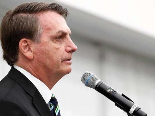 'Não sou coveiro, tá?', diz Bolsonaro ao responder sobre mortos por coronavírus