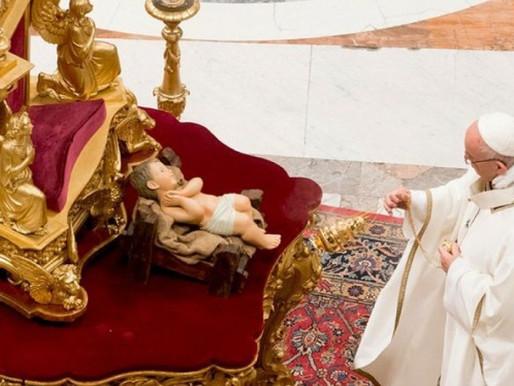 Papa defende fraternidade e pede vacinas para todos em mensagem de Natal