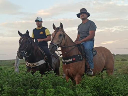 Policiais militares se disfarçam de vaqueiros e prendem suspeito de estupro no interior do Ceará
