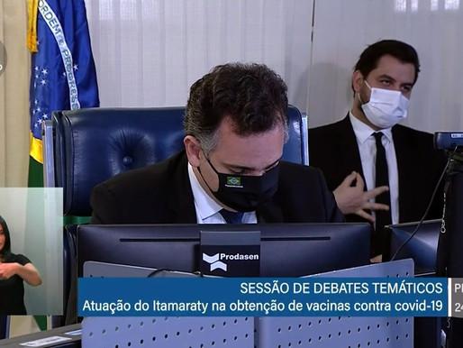 A interlocutores, Bolsonaro avisa que vai afastar Filipe Martins do Palácio do Planalto