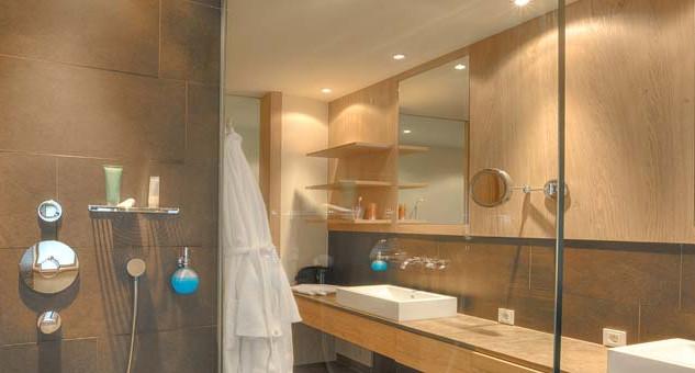 bathroom_shutterstock_10935.jpg
