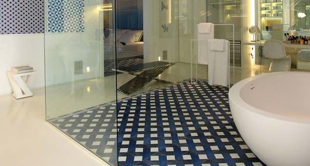 banner_bathroom_curvebath.jpg