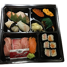 MATSU SUSHI ASSORTMENT 松寿司