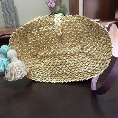 Bolso ovalado pompones