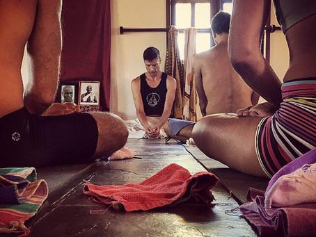 Satsang, vamos conversar sobre Yoga.