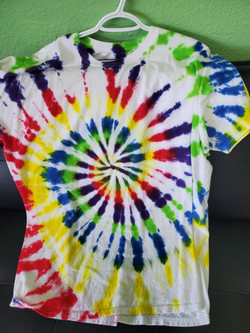 T-shirt Swirl-red, blue, yellow, and gre