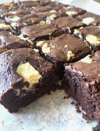 chocolate chunk fudgey brownies