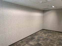 Noise-absorbing wall finish