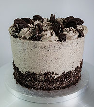Oreo%20cake%20square%20sideview_edited.jpg