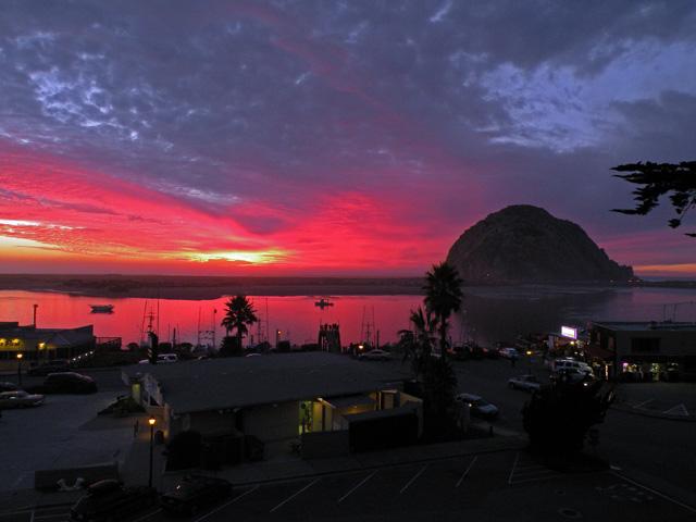 3-Sunset-Morro-Rock-Harbor-