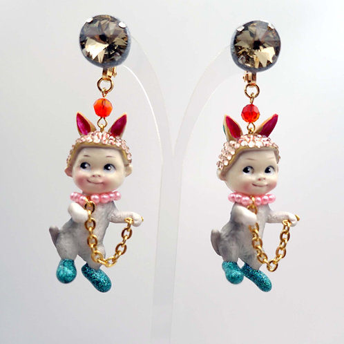 TIMBEE LO 復古兔耳娃娃貓咪身體拼合藝術裝飾耳環 綴施華洛水晶