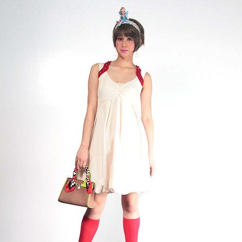 TIMBEE LO 白色提花Y字肩帶連身泡泡裙  肩帶紅色絲絨 金色鉚釘