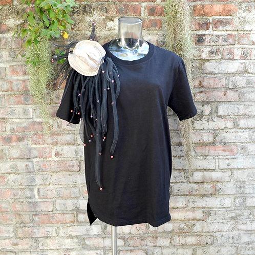 黑色短袖中性藝術TEE 綴珠子網管海葵珊瑚觸手 手工灰紫色小帽肩