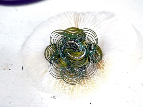 日式綠色籐銀編工藝華麗胸針 高貴優雅 日本高級二手中古珠寶首飾