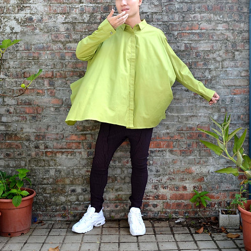 TIMBEE LO 青綠素色薄身恤衫面料寬鬆斗蓬不規則恤衫襯衫