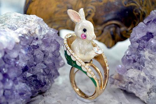 TIMBEE LO 白色兔子 貴族綠色寶座 戒指 附有彈性戒指