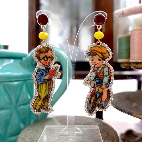 TIMBEE LO 小男孩娃娃木片綴水晶耳環 復古 輕巧 可訂製其他圖案