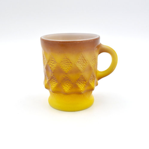 FIRE KING 芥末黃色 菱格咖啡杯 60年代古董物品