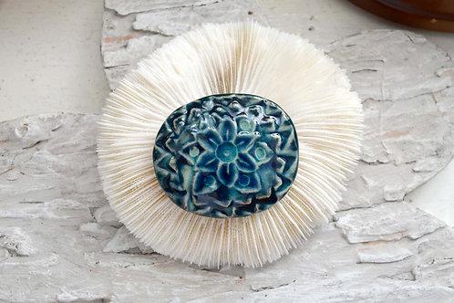 藍色手工陶瓷花紋胸針心口針 高貴優雅復古 日本中古二手珠寶首飾