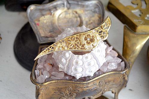 貴婦鍍金鑲空花翅膀胸針 高貴優雅 日本二手中古珠寶首飾古著