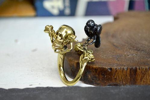 黃銅骷髏頭烏鴉戒指  Brass Skull with Crow Ring