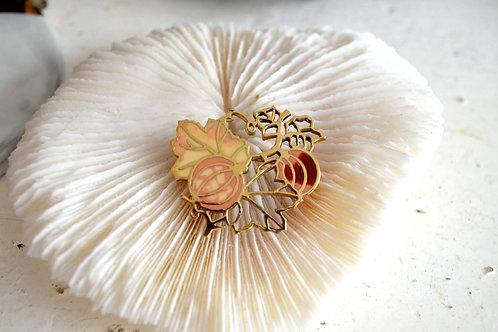 復古無花果花鍍金鏤空胸針 高貴優雅 日本二手中古珠寶首飾古著