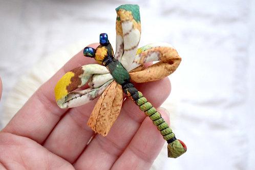 日本和服花紋手工藝布料製造蜻蜓胸針  日本高級二手古著珠寶首飾