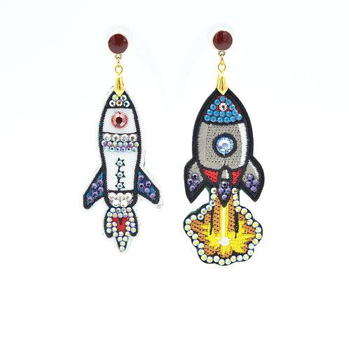 刺繡火箭綴施華洛水晶石耳環