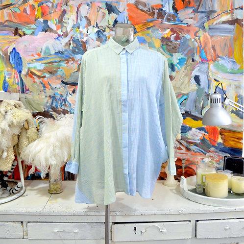 TIMBEE LO 粉藍綠綠皺紗拼色半透視格仔紋寬鬆斗蓬不規則恤衫襯衫